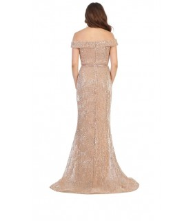 Off shoulders in shiny nude