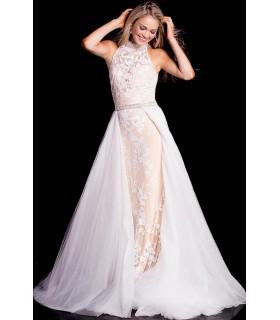Over skirt in white